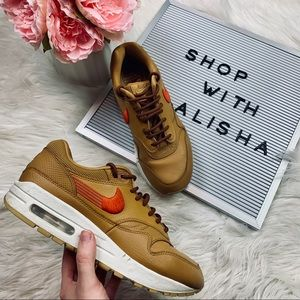 Like New Nike Air Max 1 in Wheat